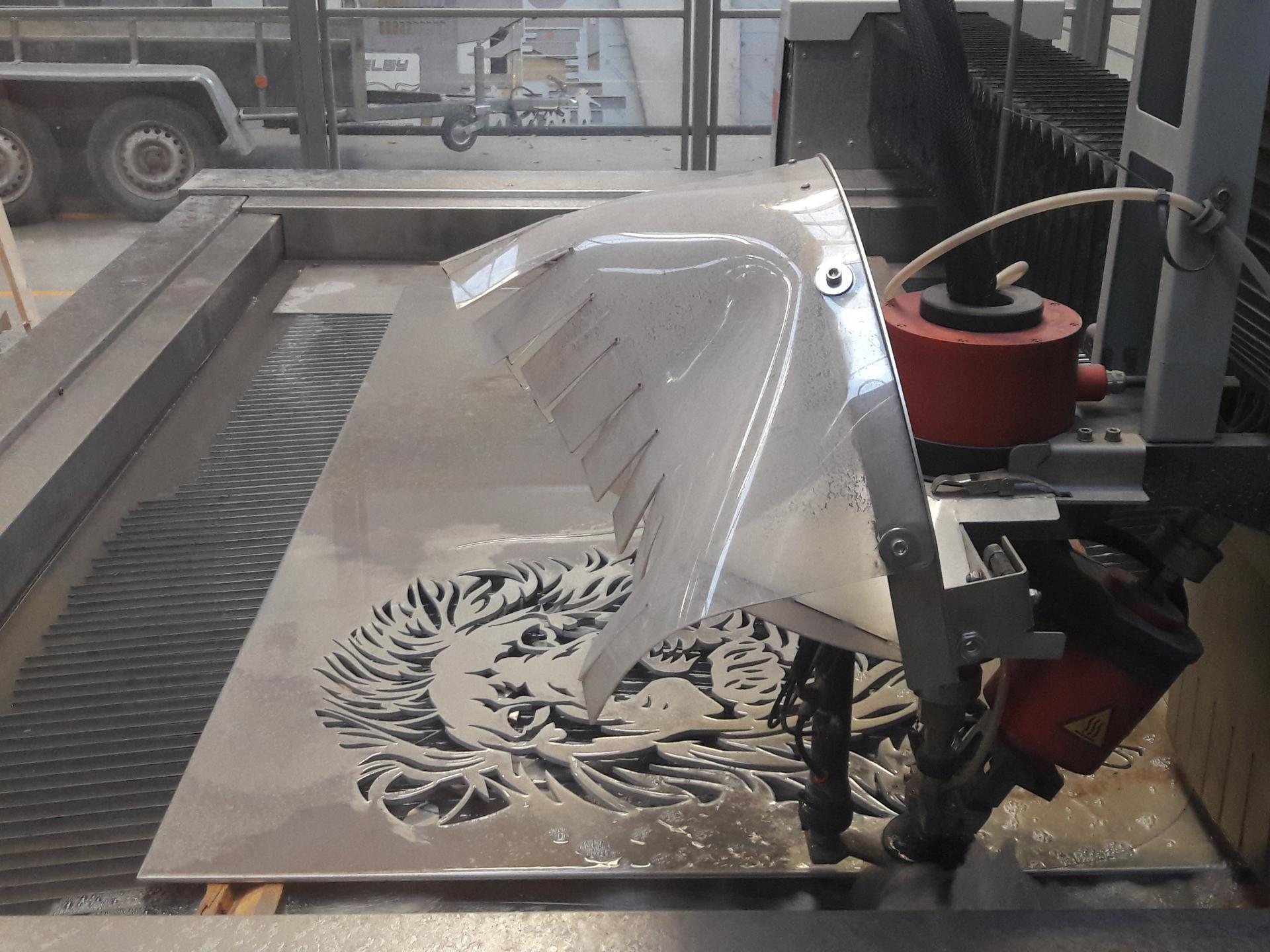 Tête de lion dans de l'aluminium de 8mm d'épaisseur.