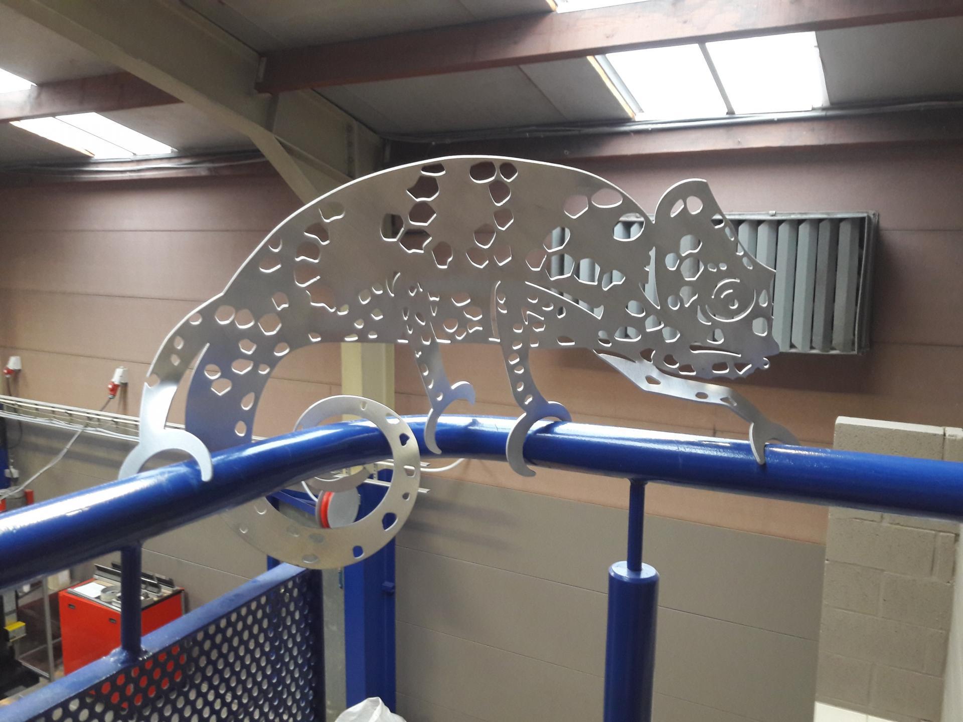"""Le """"gecko du CTA"""" réalisé dans de l'aluminium de 2 mm d'épaisseur."""
